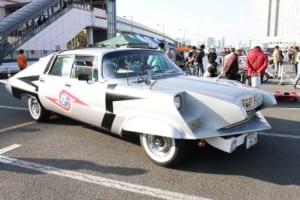 ポインター号 クライスラー・インペリアル(1958) 「ウルトラセブン」の中でダンやアイヌが乗っていた地球防衛軍の警備車両「TDF PO-1」。通称ポインター号。ファンが劇中車を忠実に再現し、円谷プロからも認定された