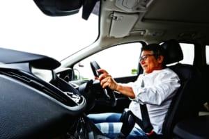 フォード クーガに乗る松田秀士