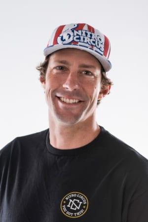 トラヴィス・パストラーナ。14歳でフリースタイル世界チャンピオン、全米アマチュア・モトクロス選手権を5回優勝、 カナダ・アマチュア・モトクロス選手権を2度制覇、「Motocross des Nation」で 最年少でアメリカを代表し、「125㏄プロ・ナショナル・アウトドアチャンピオン」や 「125㏄イースト・スーパークロス・シリーズ」制覇