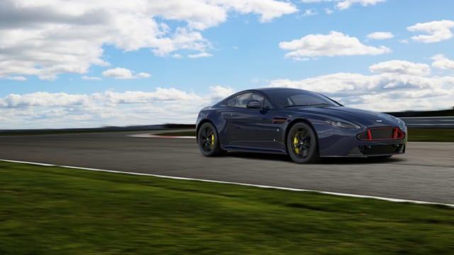 アストンマーティン ヴァンテージ S レッドブル・レーシング・エディション