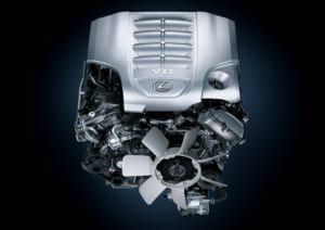 5.7L V8エンジンは2000rpmで90%のトルクを発生